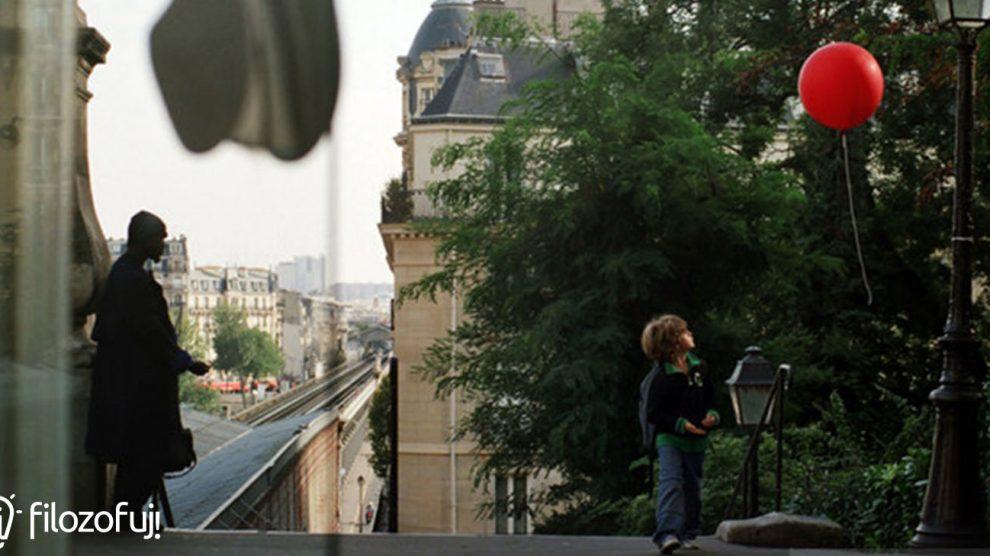 kadr z filmu Podróż czerwonego balonika